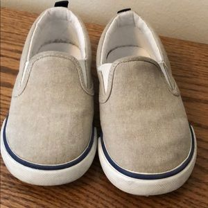 Little Boy GAP canvas slip on shoes - size 7